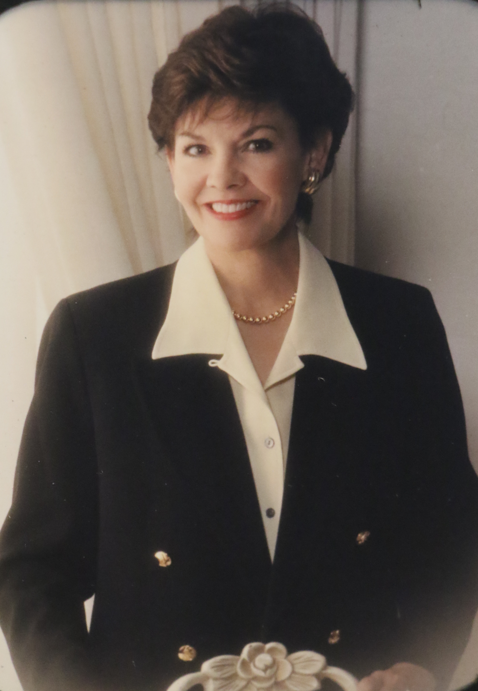 Sister Kristen M. Oaks, wife of President Dallin H. Oaks of the First Presidency, married him when she was 53 years old and he was a member of the Quorum of the Twelve Apostles.