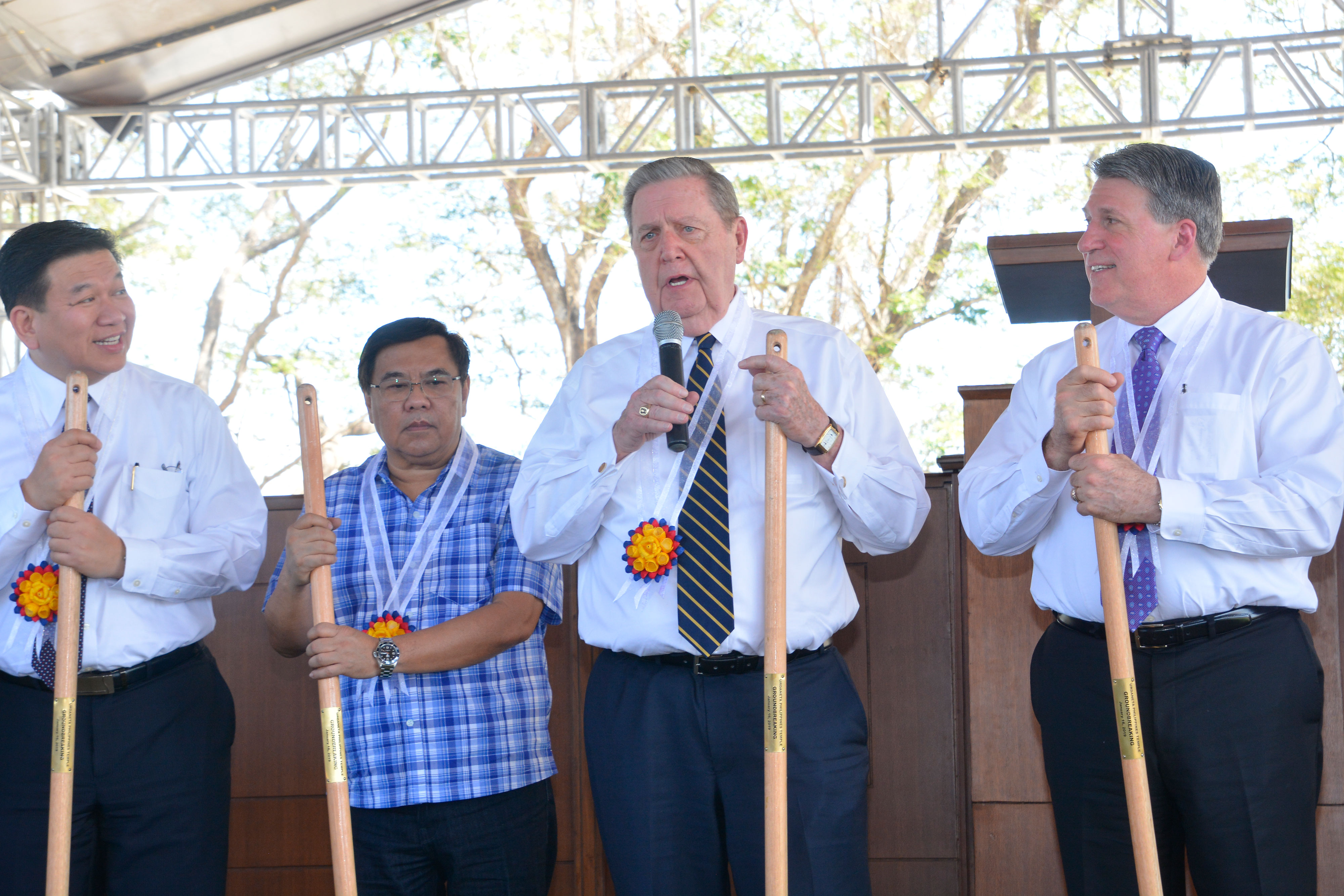 Elder Jeffrey R. Holland, center, of the Quorum of the Twelve Apostles addresses community leaders and Church membersa in Urdaneta, Pangasinan, Philippines, on Wednesday, Jan. 16, 2019. He broke ground for the new temple, the Church's third in the Philippines.