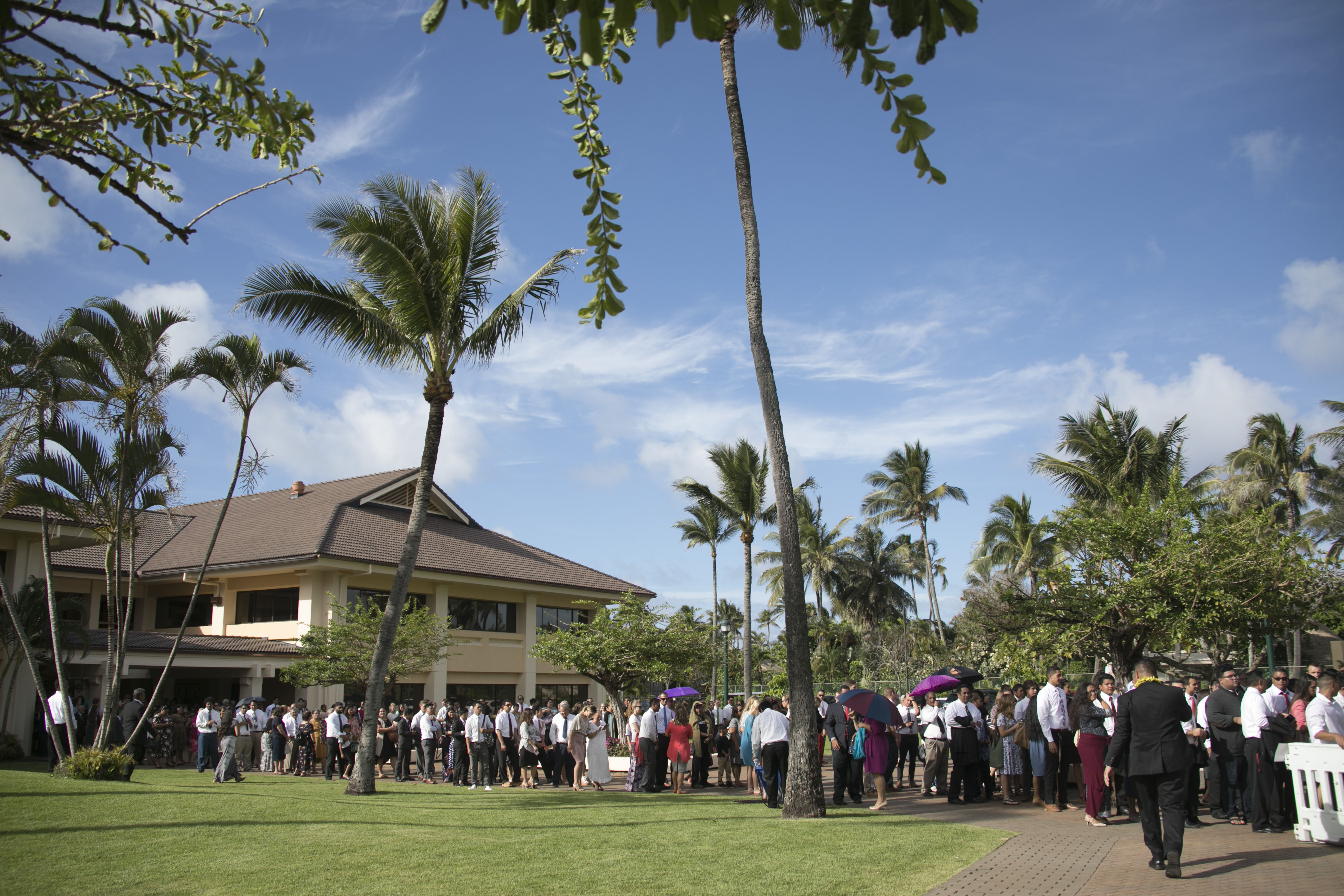 Members on the BYU-Hawaii campus.