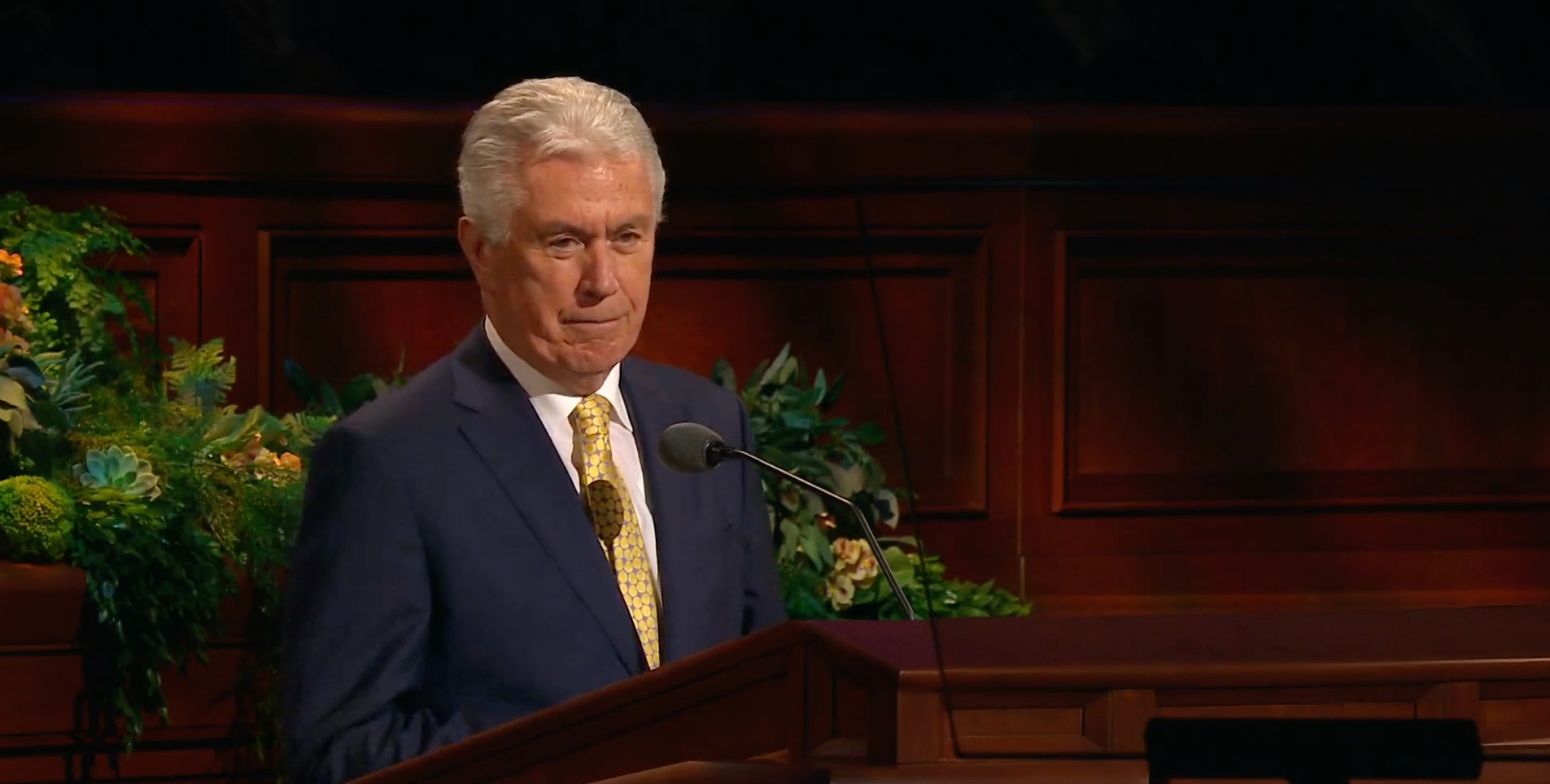 Elder Dieter F. Uchtdorf of the Quorum of the Twelve Apostles gives his address during the Saturday morning session of the 189th Annual General Conference on April 6, 2019.