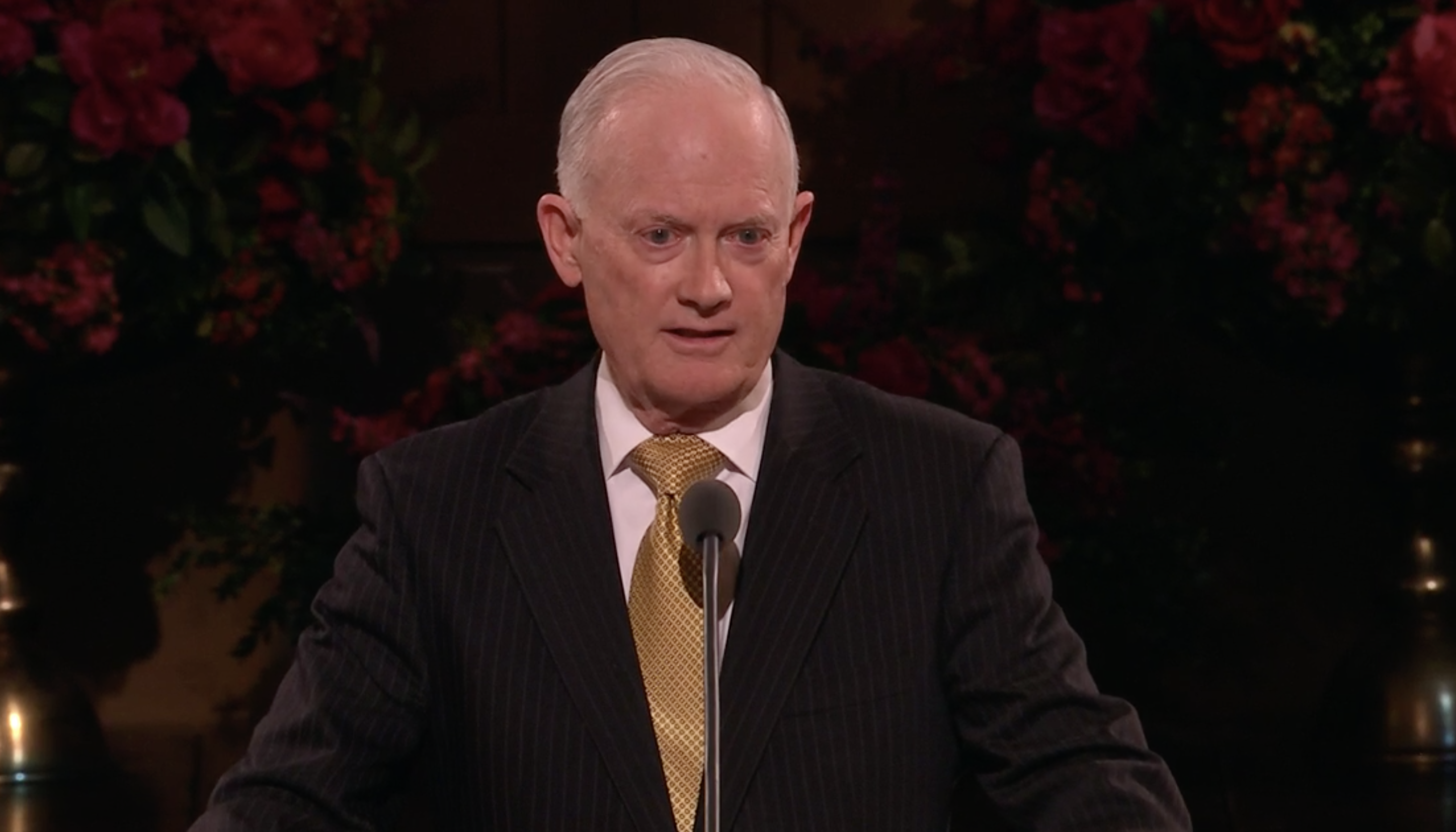 """Elder Kim B. Clark introduces Elder Ronald A. Rasband during """"An Evening with a General Authority"""" devotional, which was broadcast from the Tabernacle on Temple Square to Church Educational System employees, missionaries and their spouses on Feb. 8, 2019."""