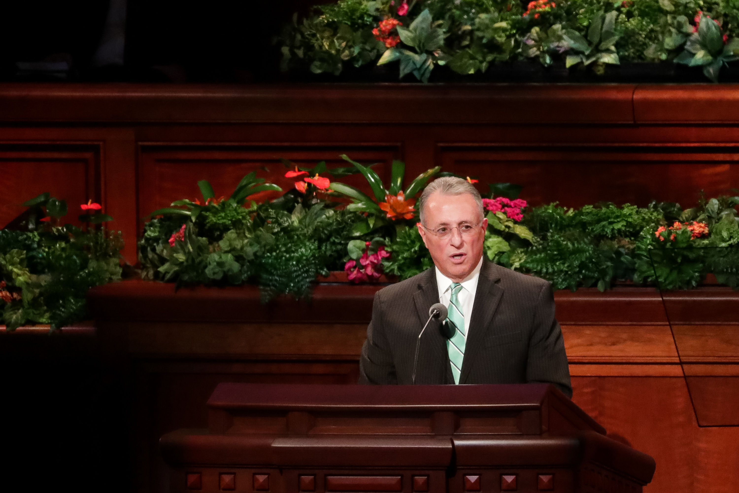 Elder Ulisses Soares of the Quorum of the Twelve Apostles speaks during the Saturday afternoon session of the 188th Semiannual General Conference of The Church of Jesus Christ of Latter-day Saints in the Conference Center in Salt Lake City on Saturday, Oct. 6, 2018.