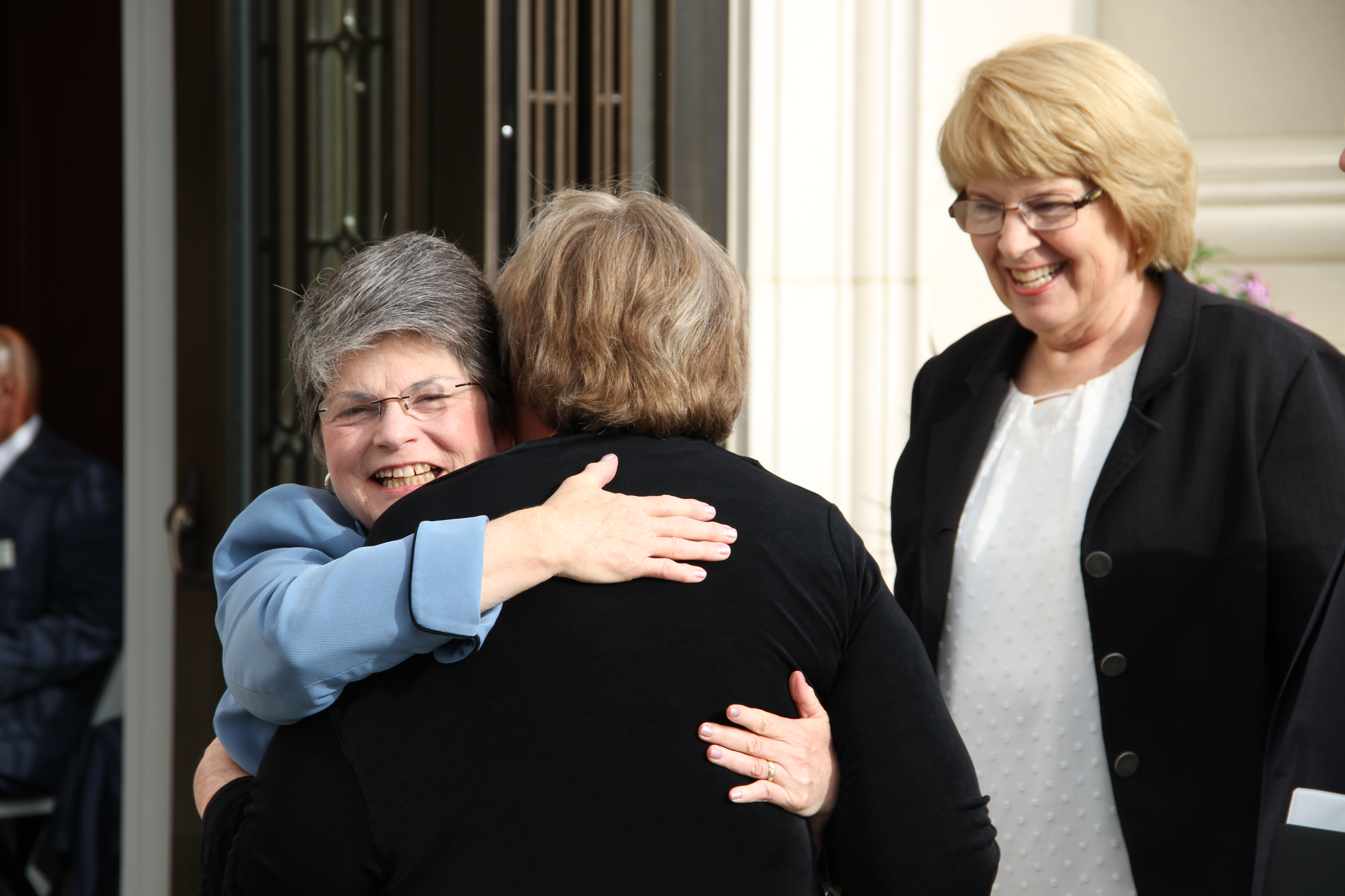 Members from the Memphis Tennessee Temple greet one another outside the temple prior to the rededication on May 5, 2019.