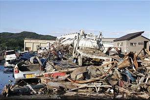 Missionaries give service after the March 11, 2011, earthquake and tsunami in Japan.