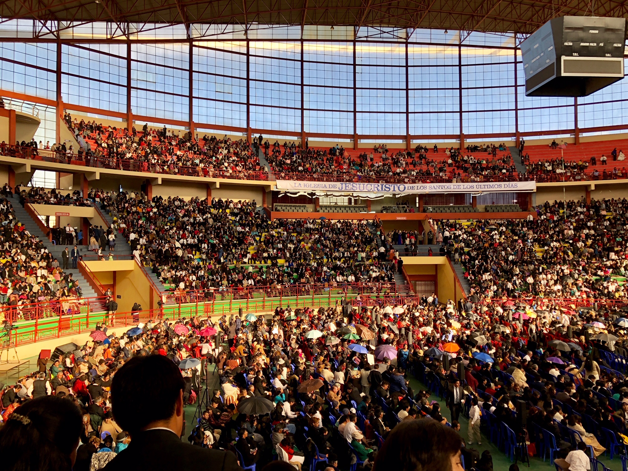 Crowds fill the Polideportivo Heroes de Octubre in El Alto on Sunday, Oct. 21 to hear President Nelson speak.