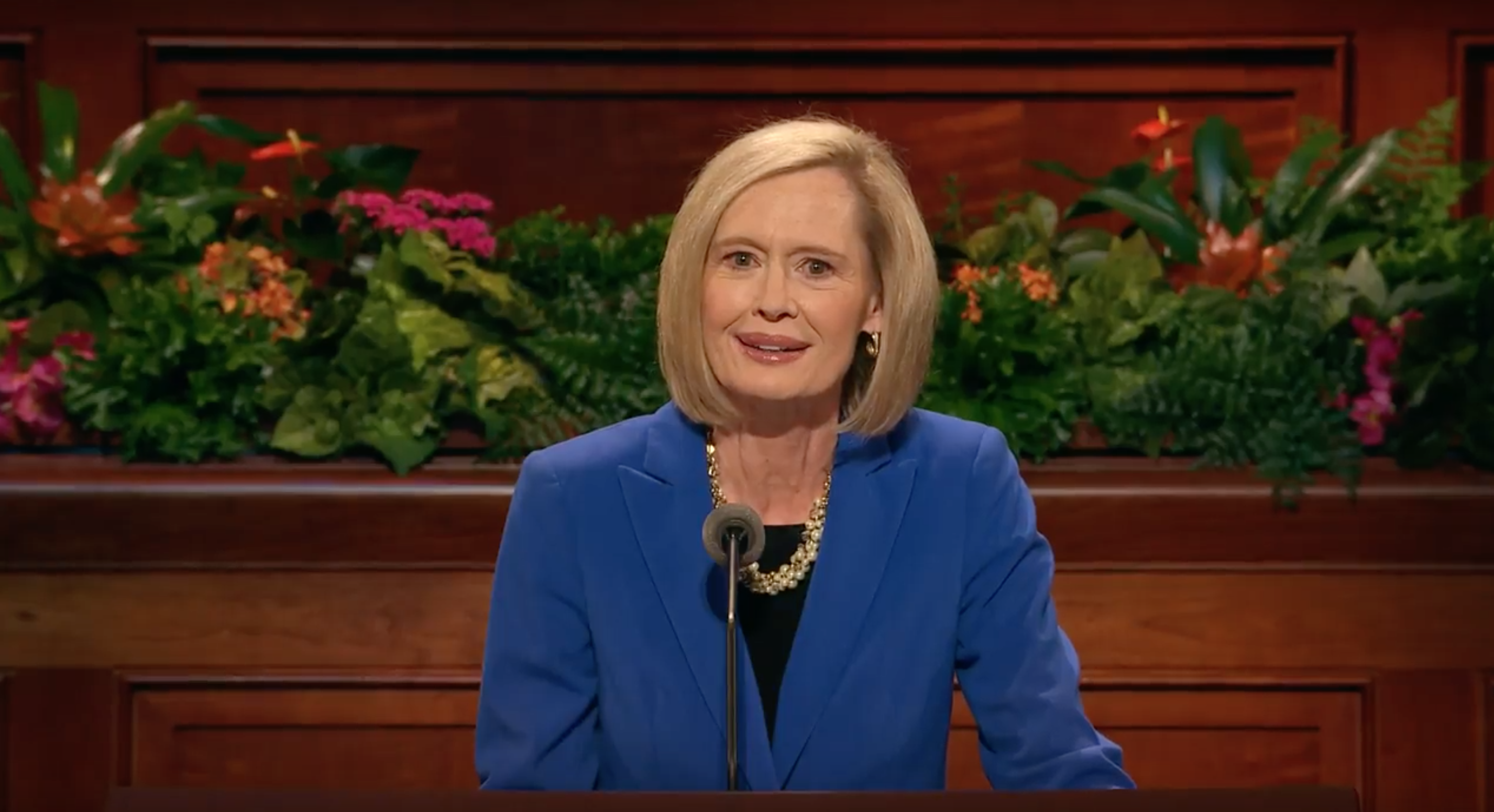 Sister Bonnie H. Cordon, Young Women general president, gives an address during the Sunday morning session of October 2018 general conference.