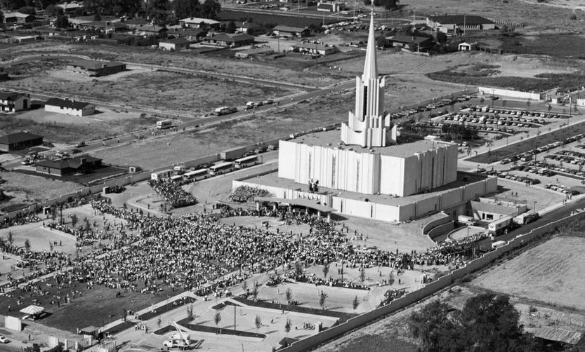 The Jordan River Utah Temple in 1981 at the time of the open house.