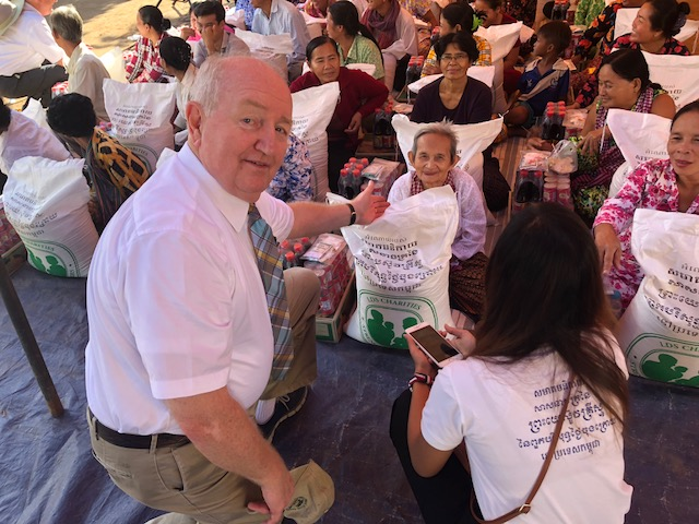 Volunteers from the Church distributed LDS Charities donation bags of rice with cans of fish, boxes of noodles and soy sauce to residents in Maha Leap in late September following flooding in their rural community.