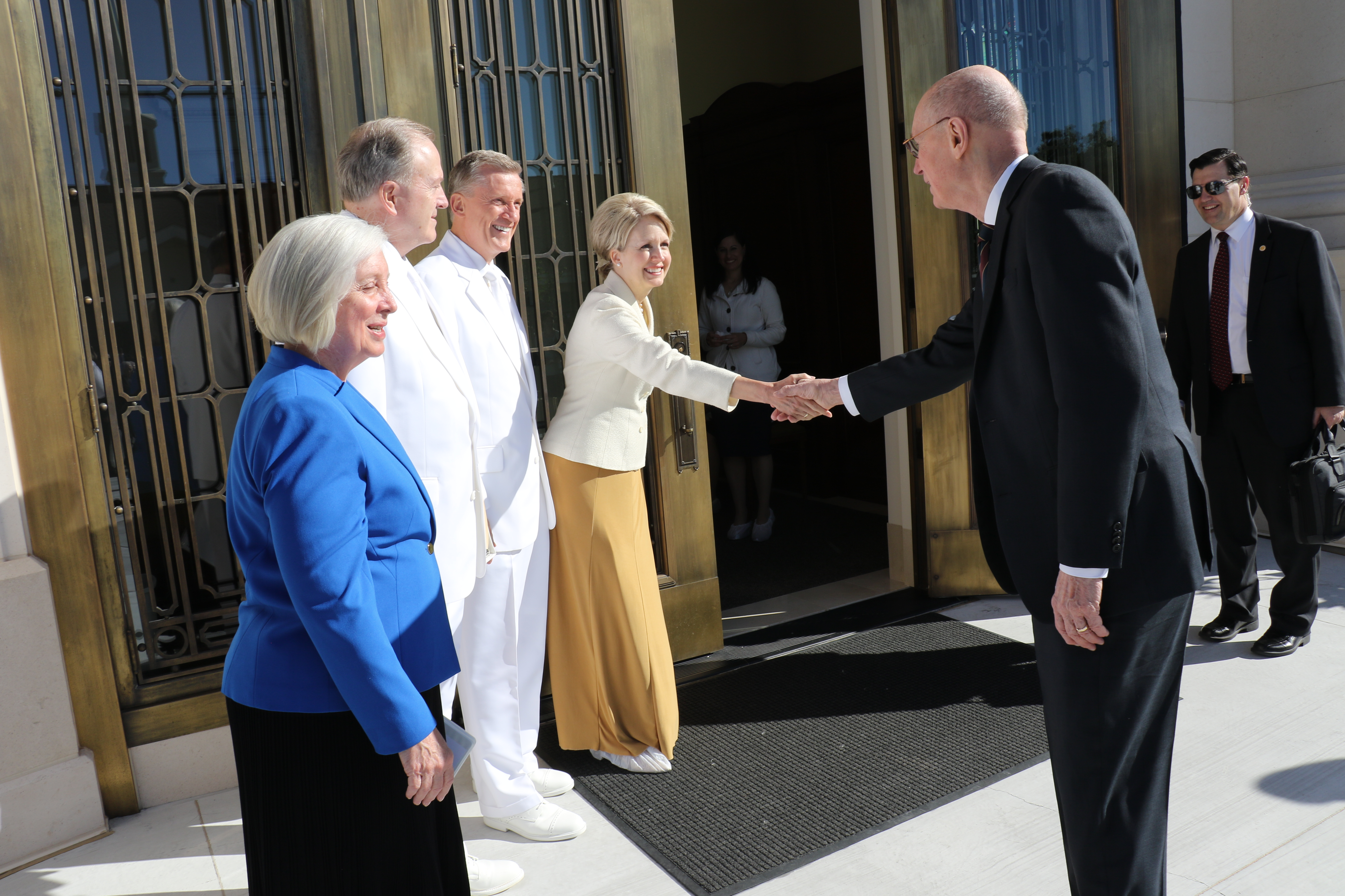 President Henry B. Eyring greets, from left, Sister Jan Robbins, Elder Lynn G. Robbins, Elder Kevin R. Duncan and Sister Nancy Duncan, prior to the May 19, 2019, rededication of the Oklahoma City Oklahoma Temple.