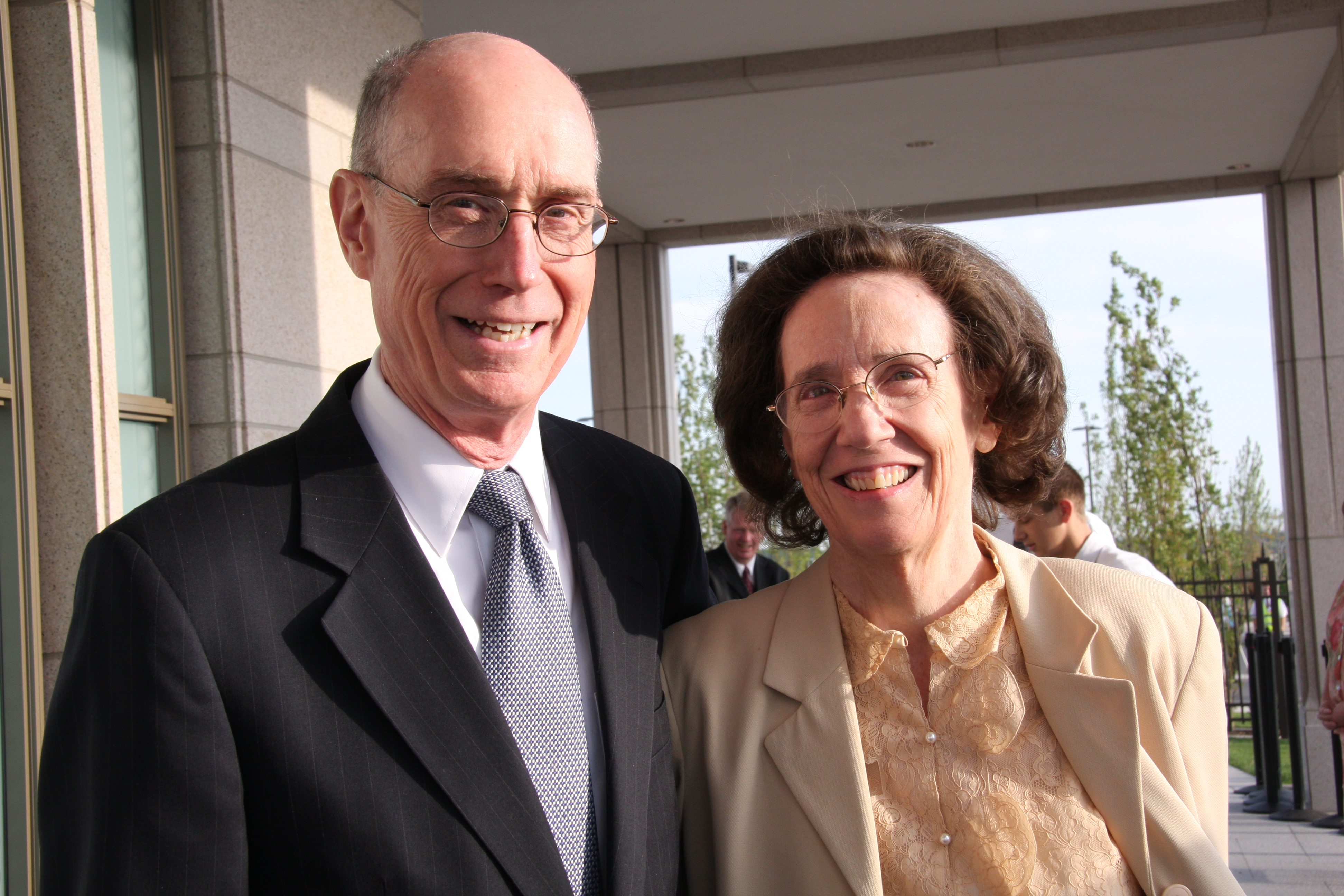 President Henry B. Eyring and his wife, Sister Kathleen Eyring, arrive Saturday morning for the second day of the dedication of the Oquirrh Mountain Utah Temple on Aug. 22, 2009 in South Jordan, Utah.