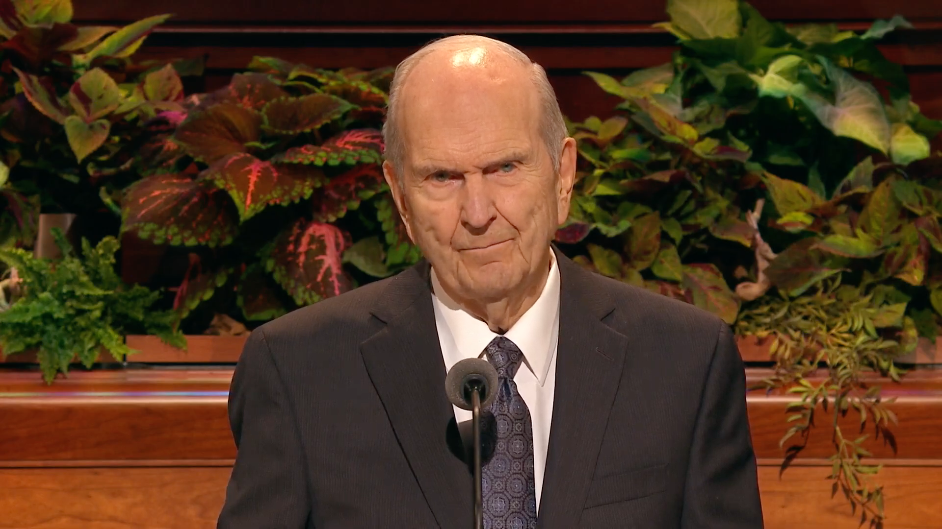 President Russell M. Nelson, president of the Church, gives closing remarks during the Sunday afternoon session in the 189th Semiannual General Conference of the Church on Sunday, Oct. 6, 2019.