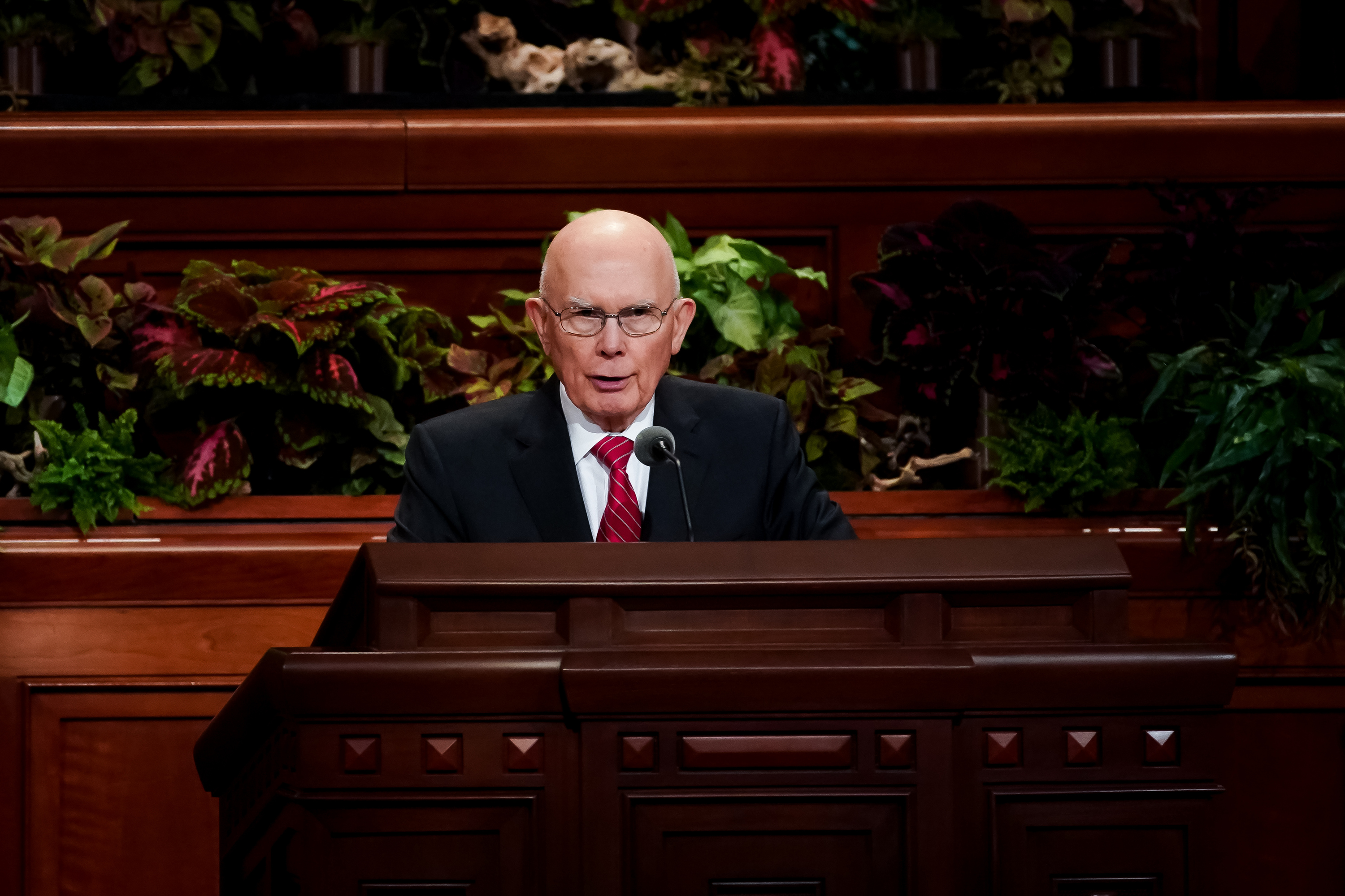President Dallin H. Oaks, first counselor in the First Presidency, conducts the Saturday afternoon session of the 189th Semiannual General Conference of The Church of Jesus Christ of Latter-day Saints in the Conference Center in Salt Lake City on Saturday, Oct. 5, 2019.