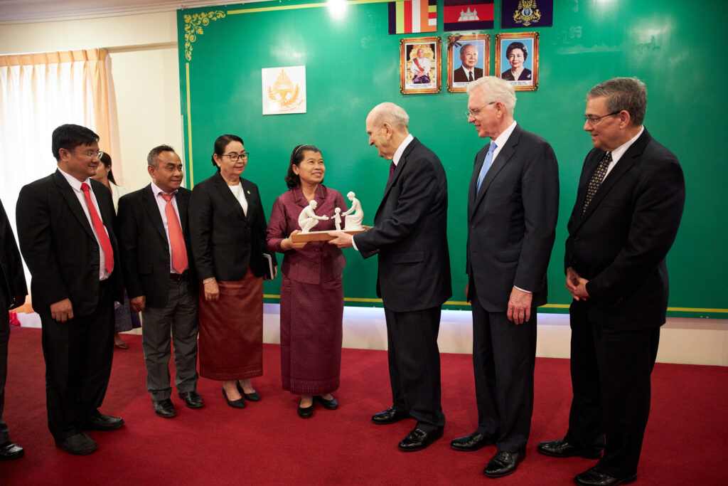 Deputy Prie Minister Men Sam An, center, meets with President Russell M. Nelson of The Church of Jesus Christ of Latter-day Saints in Phnom Penh, Cambodia, on Nov. 19, 2019.