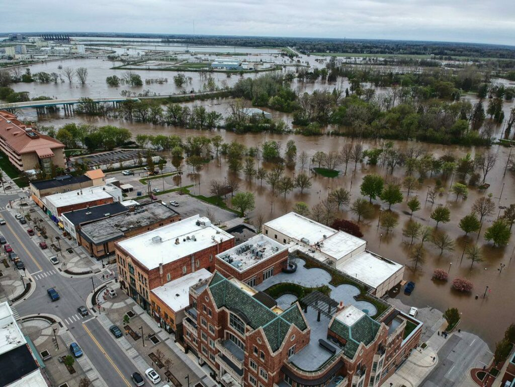 Downtown Midland on the banks of the flooded Tittabawassee River in Michigan.