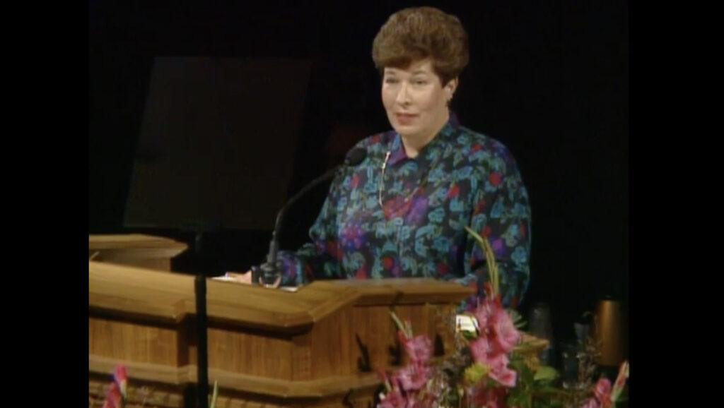 Sister Betty Jo N. Jepsen of the Primary general presidency speaks during the October 1992 general conference.