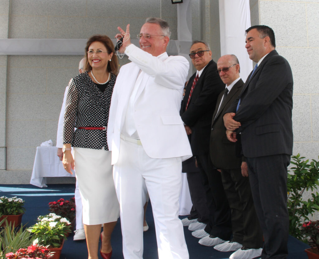 Elder Ulisses Soares of the Quorum of the Twelve Apostles, with his wife, Sister Rosana Soares, waves to members after the cornerstone ceremony portion of the dedication session of the Fortaleza Brazil Temple on Sunday, June 2, 2019.