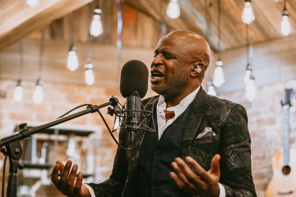 """Acclaimed singer Alex Boye performs on """"A Grace Notes Christmas,"""" which premieres Sunday, Dec. 6, 2020, at 5 p.m. MST on BYUtv. The special will also be available to stream on the free BYUtv app."""