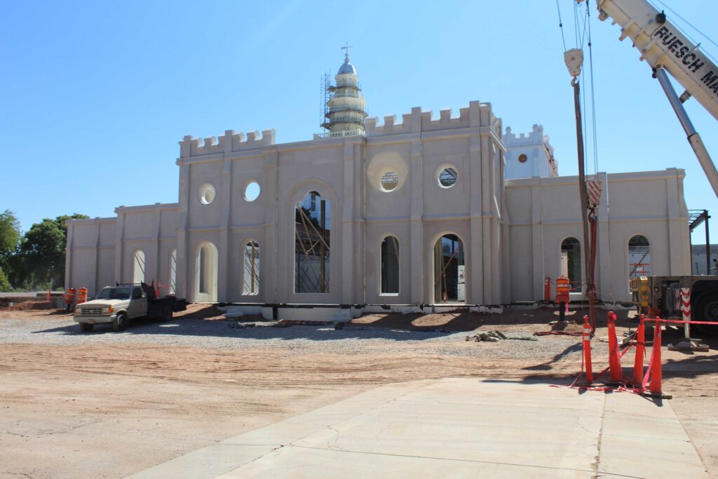 The front facade of the north entrance addition of the St. George Utah Temple in September 2020.