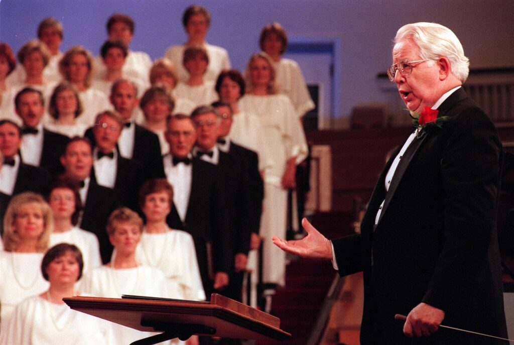 Jerold D. Ottley directed the Tabernacle Choir for the last time at broadcast in the Tabernacle on Temple Square, Sunday, Oct. 17, 1999. His first directed broadcast was Sep 8, 1974.