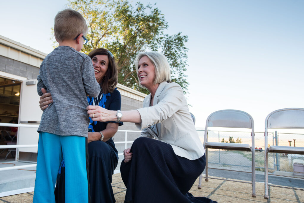 20180621 Sister Joy D. Jones, Primary general president, and Sister Lisa L. Harkness, first counselor in the Primary presidency, greet children performing in the Mormon Miracle Pageant in Manti, Utah on June 20.