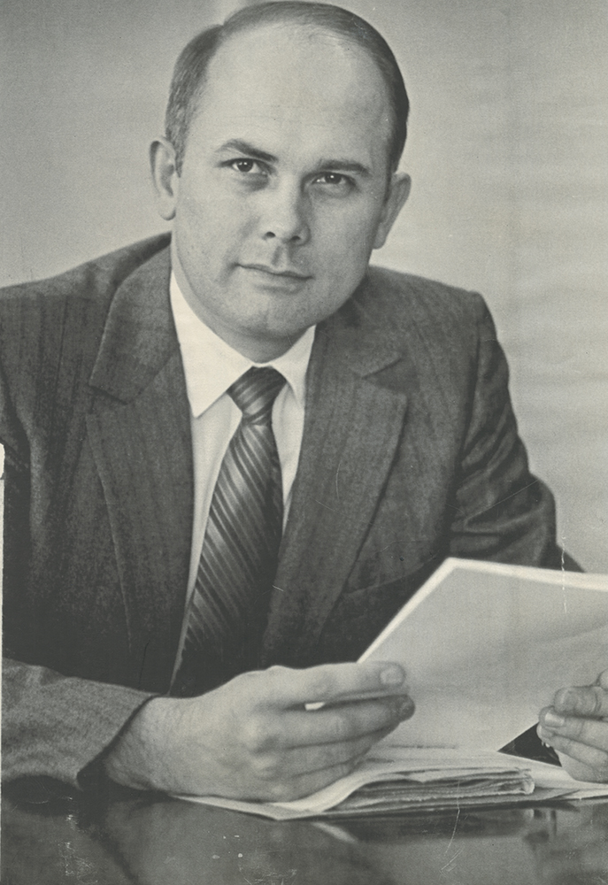 Utah Supreme Court Justice Dallin Oaks became an apostle in the Mormon Church. Oaks, 51, was named to the high court in 1980 after serving nine years as president of the Mormon Church-owned Brigham Young University. He will become a member of the Church's Quorum of the Twelve Apostles.