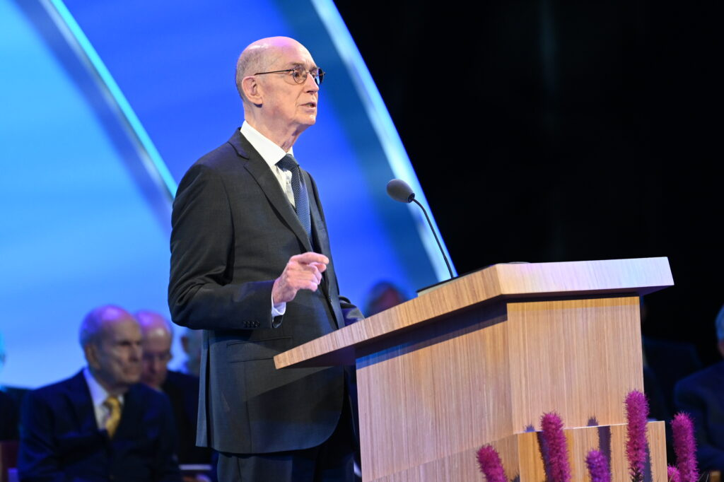 President Henry B. Eyring assured newly called mission leaders that the Lord knows them and the duties that they are called to perform. President Eyring was speaking on June 26, 2021, at the 2021 Seminar for New Mission Leaders.