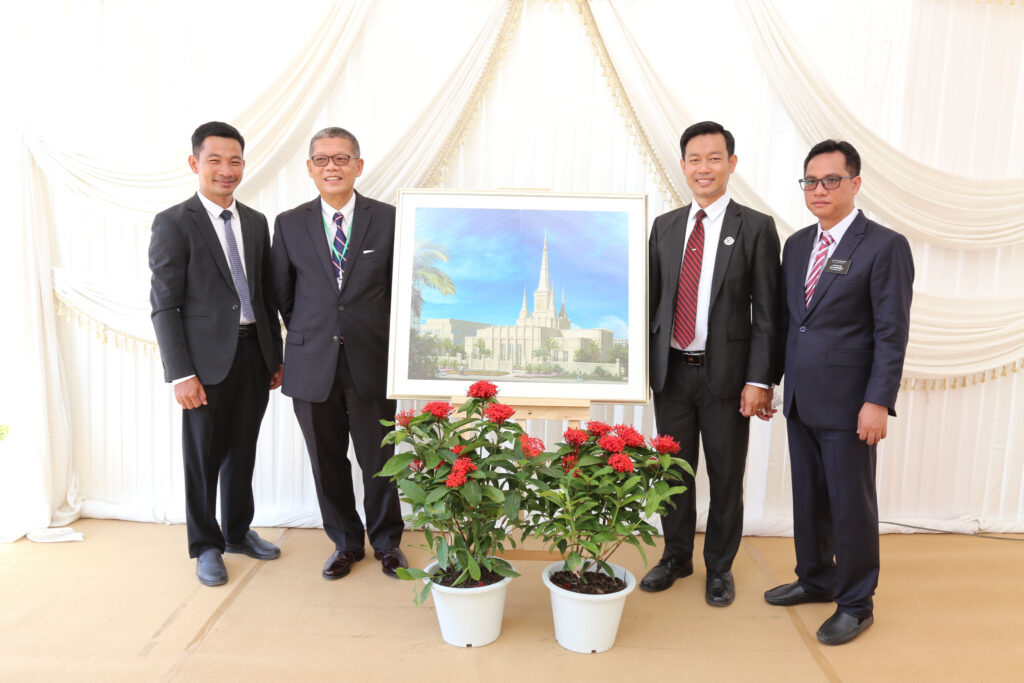 Left to right: Phnom Penh South Stake President Ul Phorn, Phnom Penh Temple Groundbreaking Ceremony Coordinator Vichit Ith, Phnom Penh North Stake President Eng Bunhouch, and Cambodia Phnom Penh Mission President Neang Kuonno Veasna at the Sept. 18, 2021, groundbreaking.
