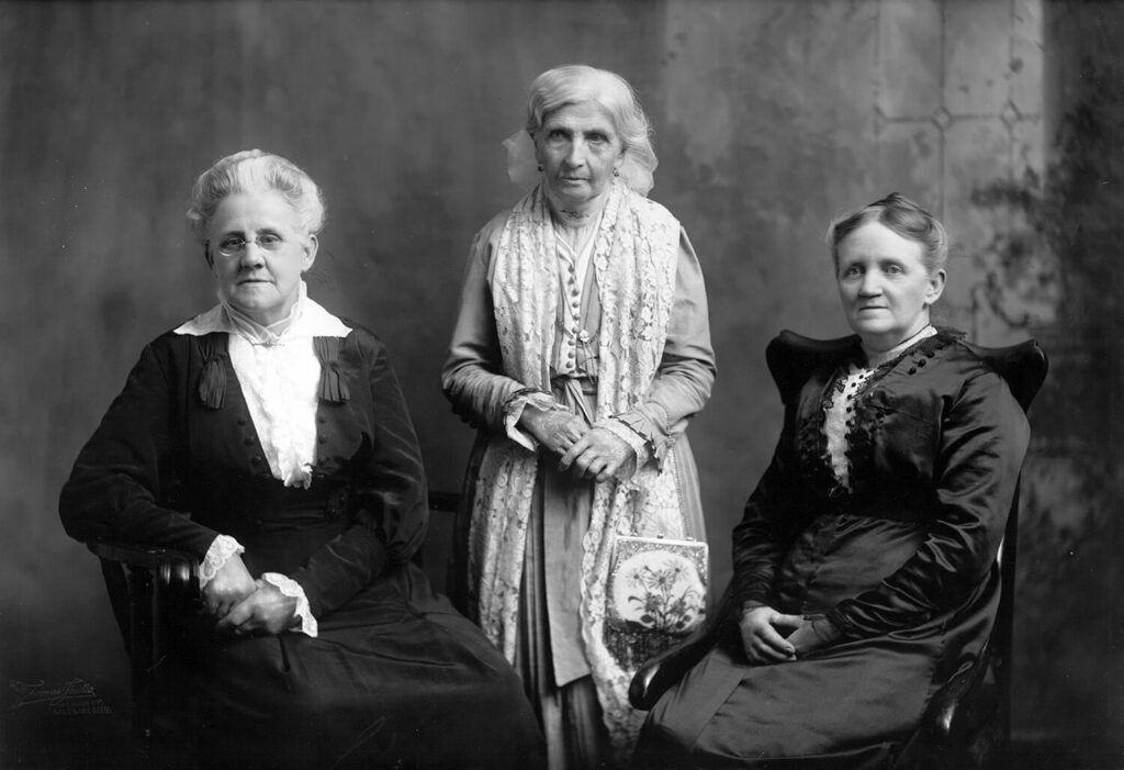 Left to right: Louie B. Felt, Primary Association general president; Emmeline B. Wells, Relief Society general president; and Martha H. Tingey, Young Ladies' Mutual Improvement Association general president. Photograph by the Thomas studio.