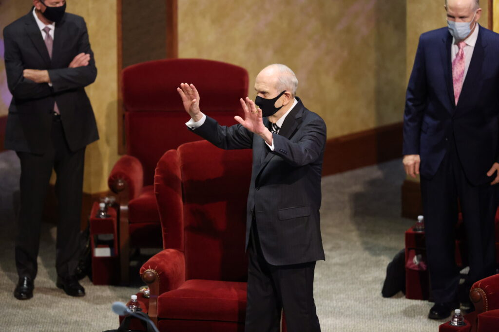 President Russell M. Nelson waves to church leaders before the Sunday afternoon session of the 190th Semiannual General Conference of The Church of Jesus Christ of Latter-day Saints on Oct. 4, 2020.
