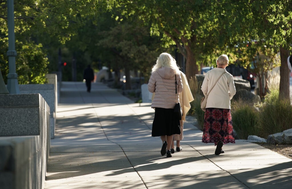Attendees walk to the Conference Center prior to the Sunday morning session of the 191st Semiannual General Conferenceof The Church of Jesus Christ of Latter-day Saints in Salt Lake City on Sunday, Oct. 3, 2021.
