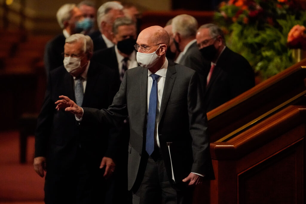 President Henry B. Eyring, second counselor in the First Presidency of The Church of Jesus Christ of Latter-day Saints, waves toward the congregation as he exits after the Saturday evening session of the 191st Semiannual General Conference of The Church of Jesus Christ of Latter-day Saints at the Conference Center in Salt Lake City on Saturday, Oct. 2, 2021.